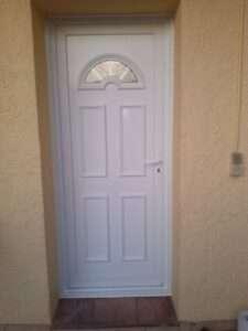 Porte d'entrée en PVC Classique